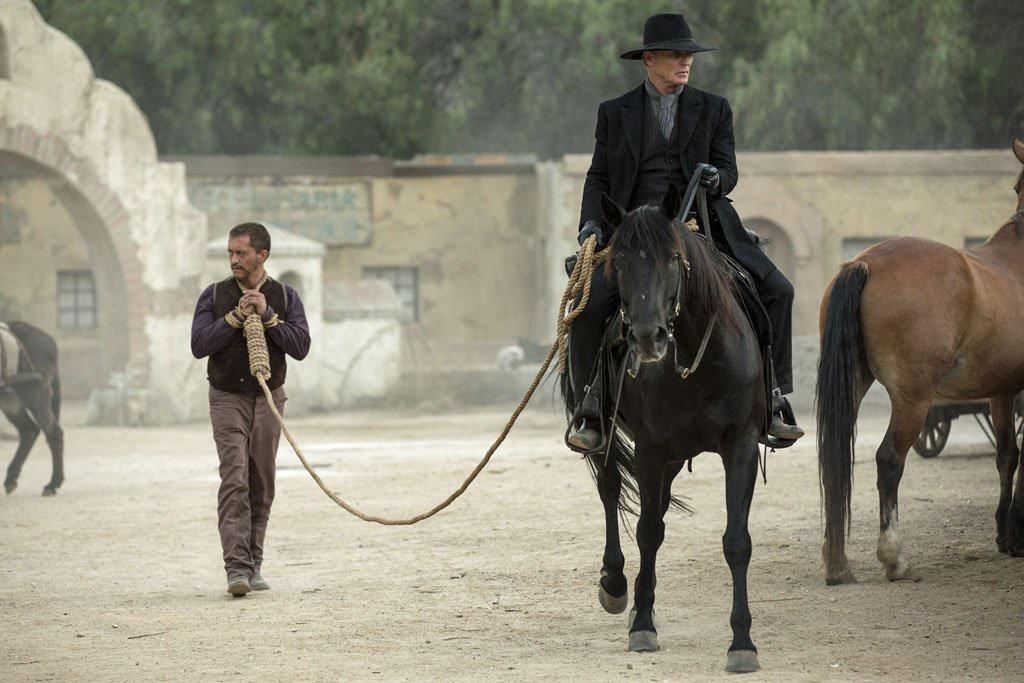 5.Westworld.Ed-Harris.season-3-with.Christian-Stamm.3